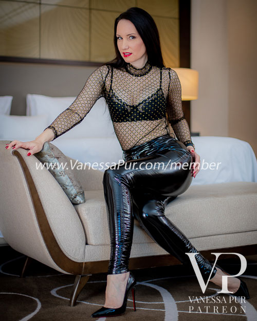 Vanessa Pur Patreon Page - Exclusive VIP Page with lingerie, latex, leather, overknee, femdom, strict, pantyhose, hosed feet, dangling and exclusive and hot videos