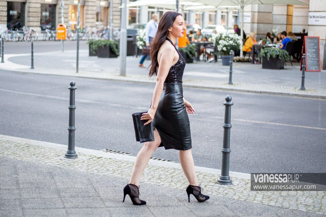 Leather pencil skirt & sequins top - Glamour outfit